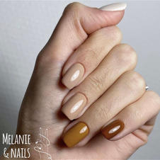 95€ - different color on each nail