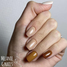 80€ - different color on each nail