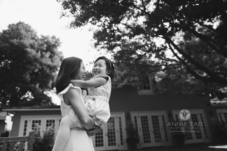 Bay-Area-lifestyle-family-photography-mother-and-toddler-daughter-hugging-BxW