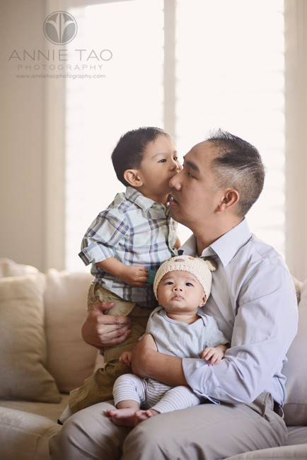 South-Bay-lifestyle-family-photography-dad-and-two-sons-on-the-couch