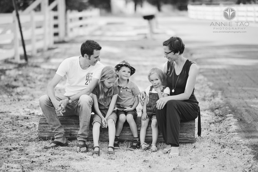 East-Bay-lifestyle-family-photography-family-of-five-hanging-out-on-a-log-BxW