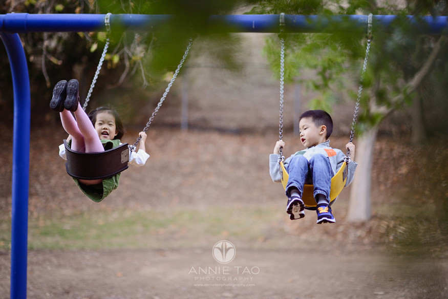 East-Bay-lifestyle-children-photography-siblings-on-swing