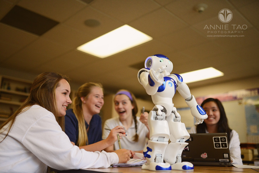 Commercial-education-photography-small-group-working-on-robotics-project