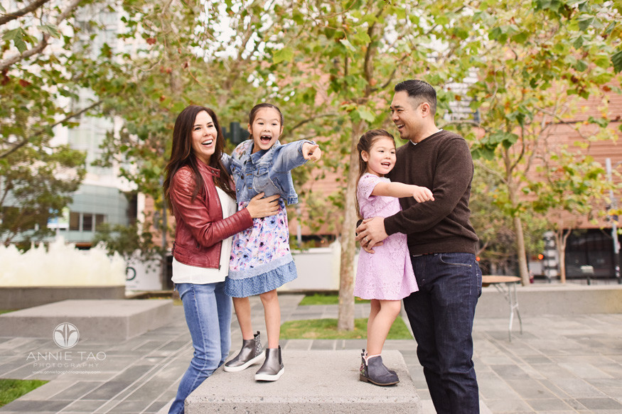 San-Francisco-lifestyle-family-photography-family-happily-surprised-by-fountains-turning-on