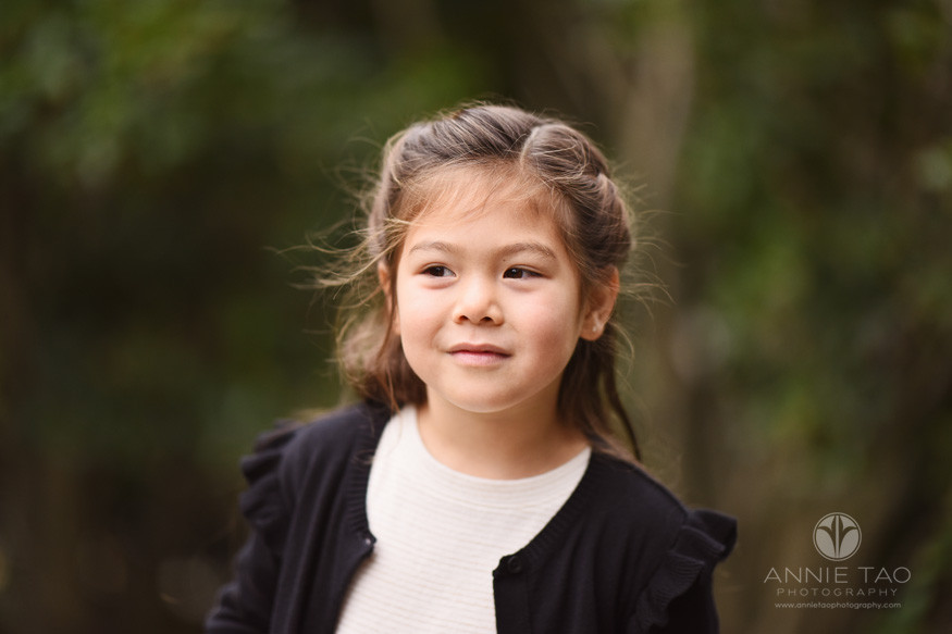 San-Francisco-lifestyle-children-photography-young-girl-looking-away-closeup