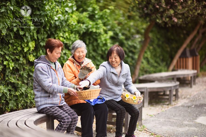 San-Francisco-commercial-photography-senior-housing-smiling-women-taking-a-break-pulledback