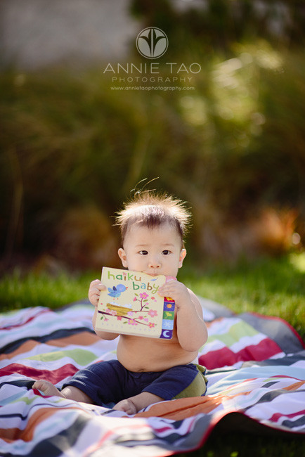 San-Francisco-lifestyle-baby-photography-baby-boy-eating-book