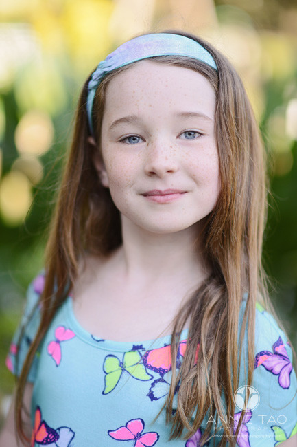Bay-Area-lifestyle-children-photography-girl-looking-straight-into-camera