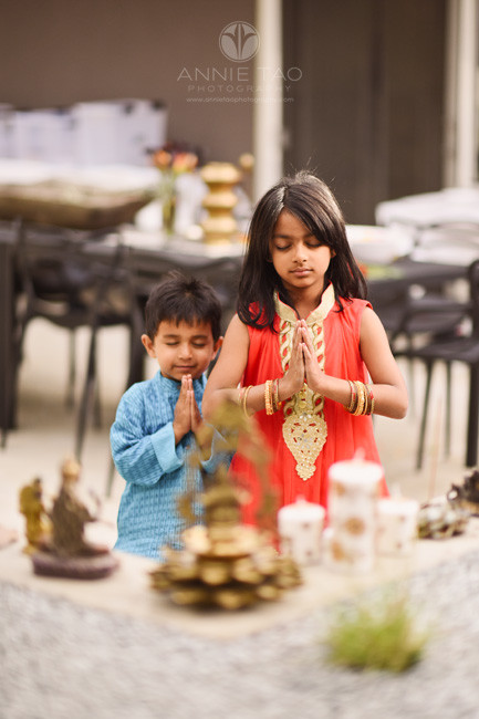East-Bay-children-photography-dressed-up-for-diwali-and-praying-at-alter