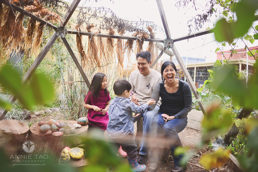 Los-Altos-lifestyle-family-photography-parents-playing-with-rocks-with-children-under-teepee