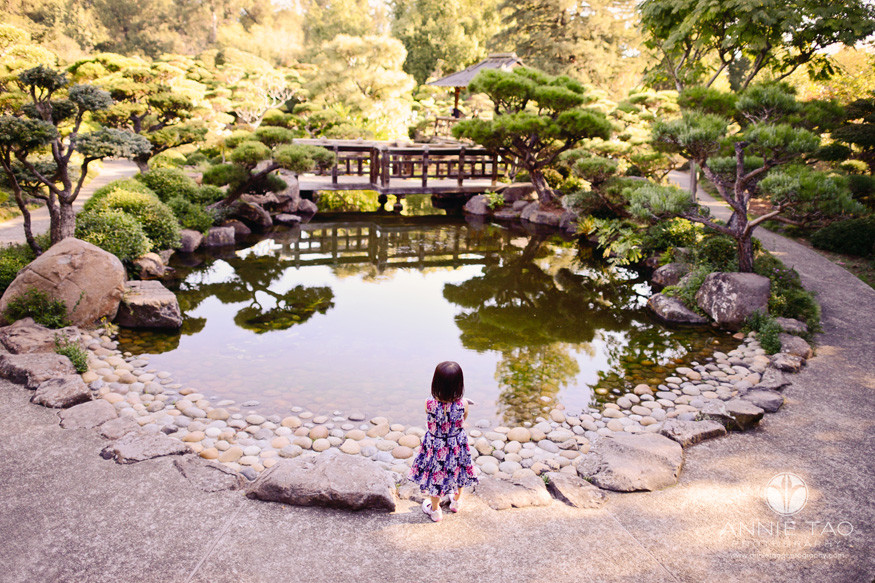 east-bay-lifestyle-children-photography-young-girl-standing-at-pond