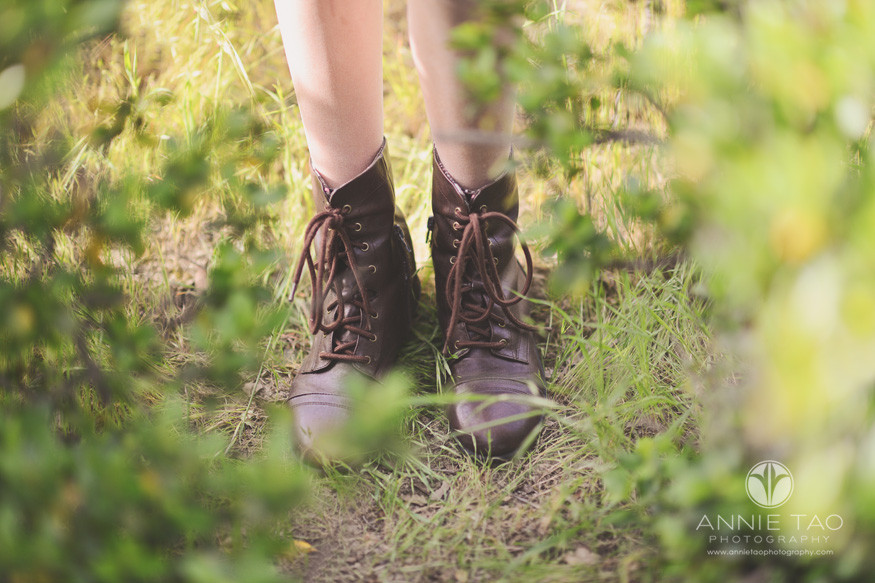 east-bay-lifestyle-children-photography-boots-in-bushes