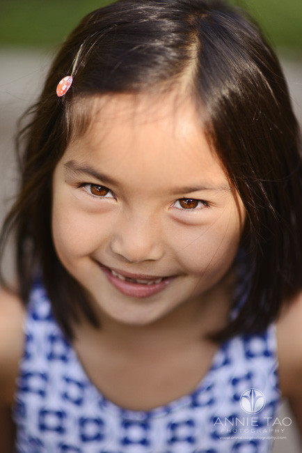 East-Bay-lifestyle-children-photography-smiling-young-girl-with-beautiful-brown-eyes