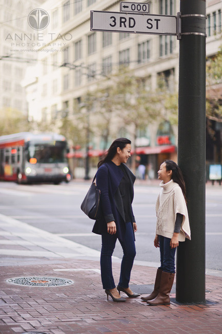 san-francisco-lifestyle-family-photography-mom-and-daughter-in-downtown-corner