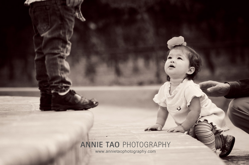 San-Francisco-East-Bay-family-photography-baby-girl-looking-up-at-brother