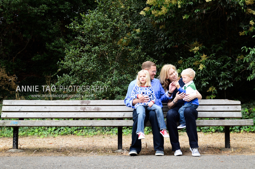 East-Bay-lifestyle-family-photography-family-sitting-on-long-bench