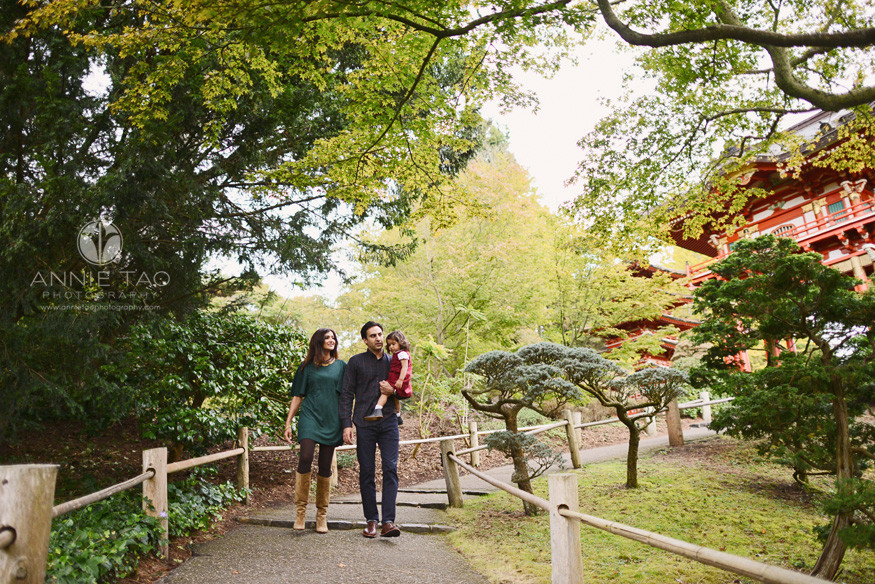 San-Francisco-lifestyle-family-photography-family-walking-downhill-in-Japanese-garden