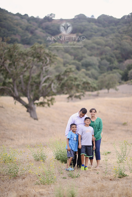 East-Bay-lifestyle-family-photography-family-of-four-at-hillside-1