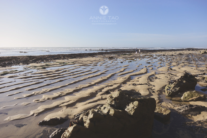 Bay-Area-Half-Moon-Bay-lifestyle-children-photography-two-boys-running-on-beach