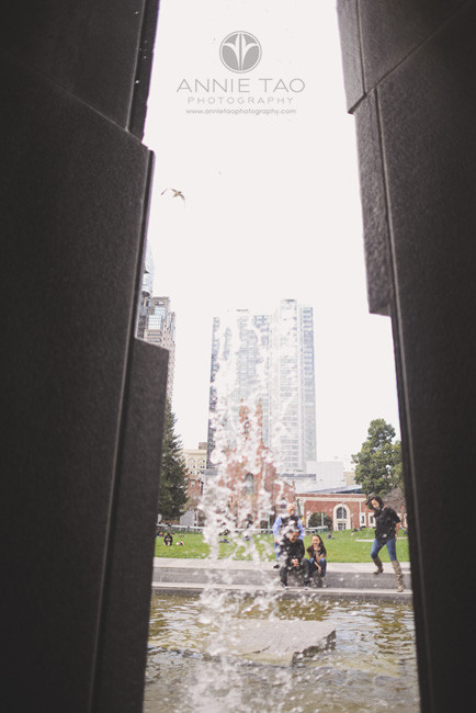 San-Francisco-lifestyle-family-photography-family-by-the-fountain-through-waterfall