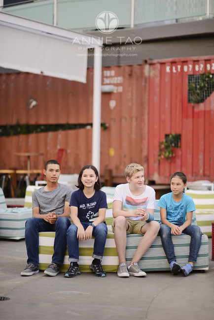 San-Francisco-lifestyle-teen-photography-cousins-sitting-together