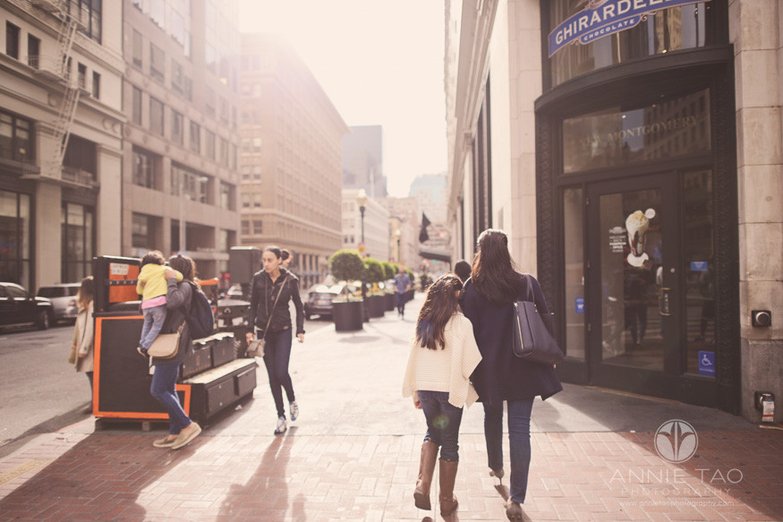 san-francisco-lifestyle-family-photography-walking-around-downtown-city-with-sunflare