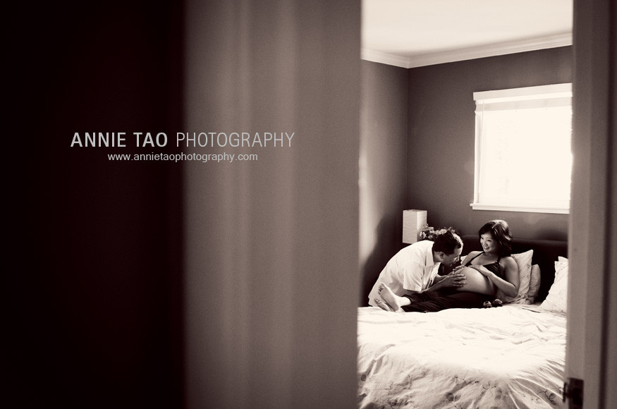 San-Francisco-Bay-Area-Maternity-Photography-husband-talking-to-pregnant-wifes-belly