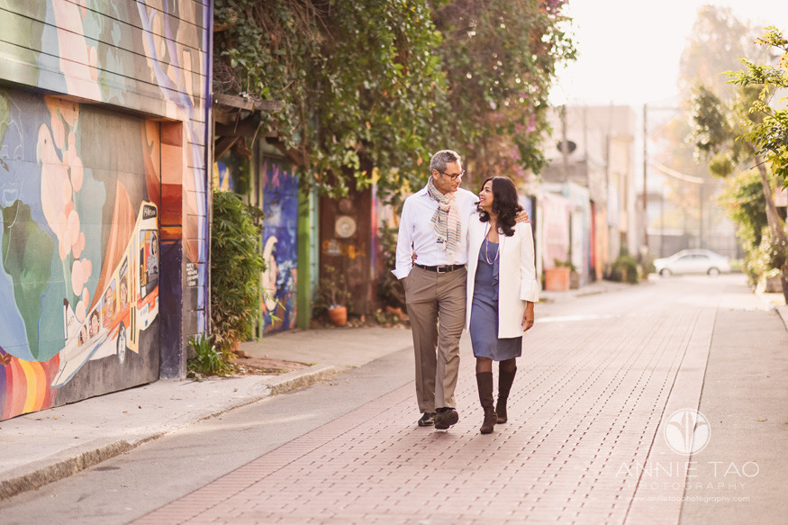 San-Francisco-lifestyle-photography-loving-couple-walking-in-city-alley