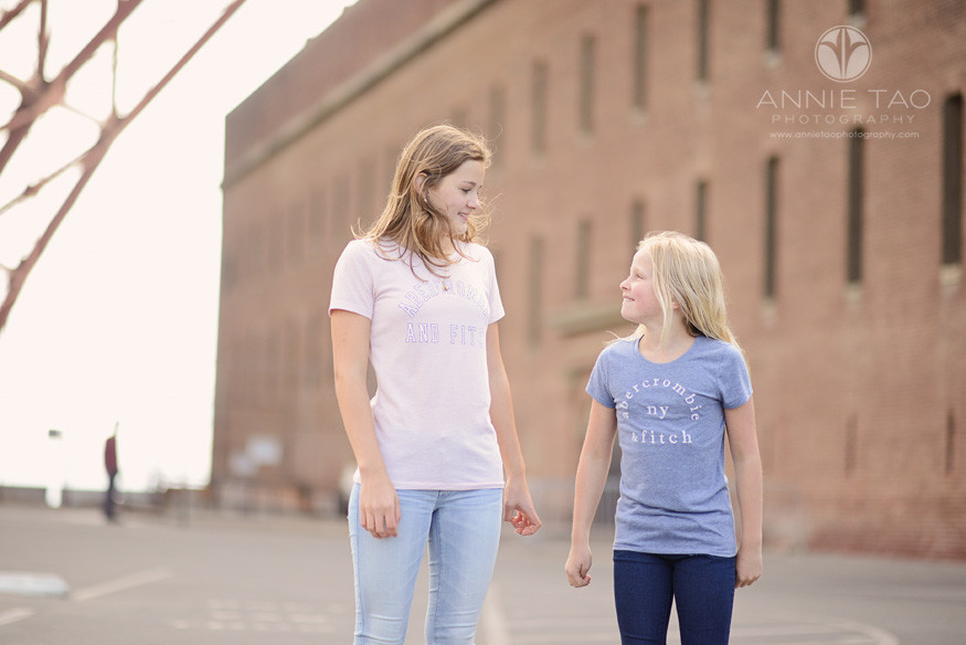 San-Francisco-lifestyle-children-photography-two-sisters-looking-at-each-other