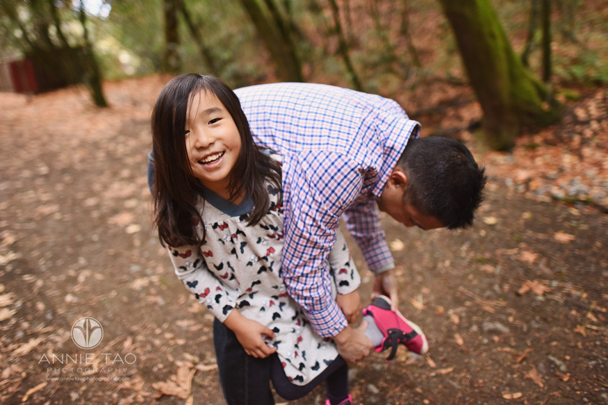 Bay-Area-lifestyle-family-photography-father-helping-daughter-with-shoes