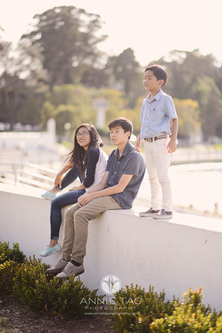 San-Francisco-lifestyle-children-photography-three-siblings-on-wall