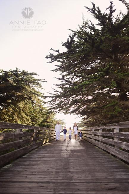 Bay-Area-Half-Moon-Bay-lifestyle-family-photography-family-walking-on-bridge