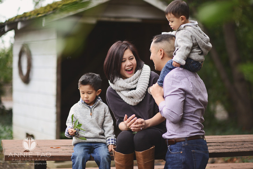 East-Bay-lifestyle-family-photography-woman-laughing-with-family-at-picnic-table