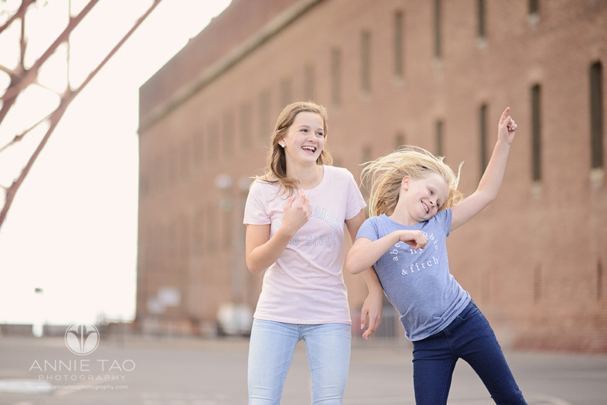 San-Francisco-lifestyle-children-photography-two-sisters-dancing