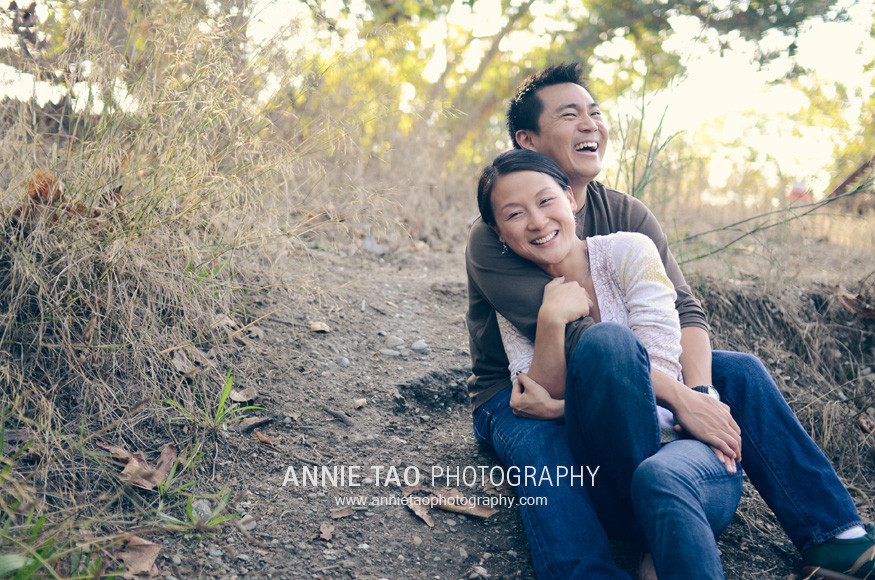 East-Bay-lifestyle-family-photography-couple-laughing-horiz