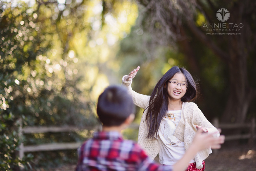 East-Bay-children-lifestyle-photography-girl-and-boy-doing-robot-dance