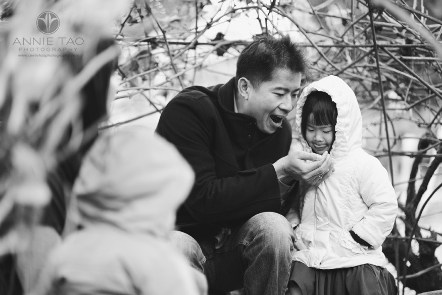 Bay-Area-lifestyle-family-photography-father-playing-pretend-tea-party-with-daughter-in-thatched-hut-BxW