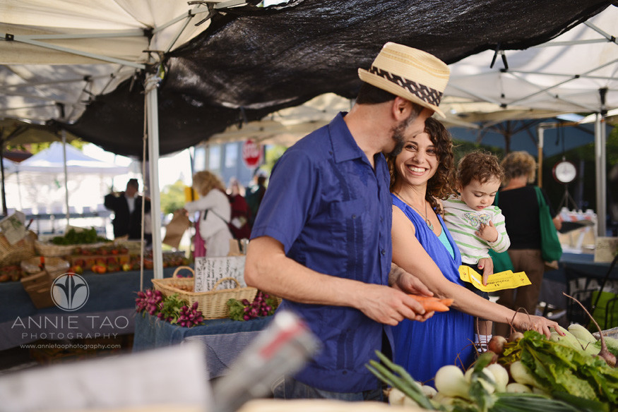 East-Bay-Commercial-Photography-family-shopping-at-Berkeley-farmers-market-Ecology-Center-1