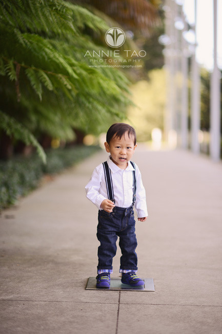 san-francisco-lifestyle-baby-photography-toddler-boy-standing-on-light