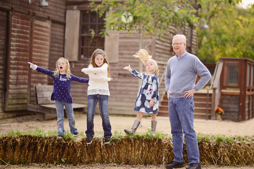 east-bay-lifestyle-family-photography-grandpa-with-his-funny-granddaughters-at-a-farm-2