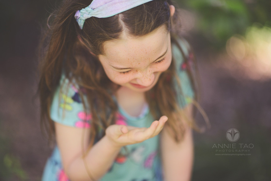 bay-area-lifestyle-children-photography-girl-laughing-with-hand-covering-face
