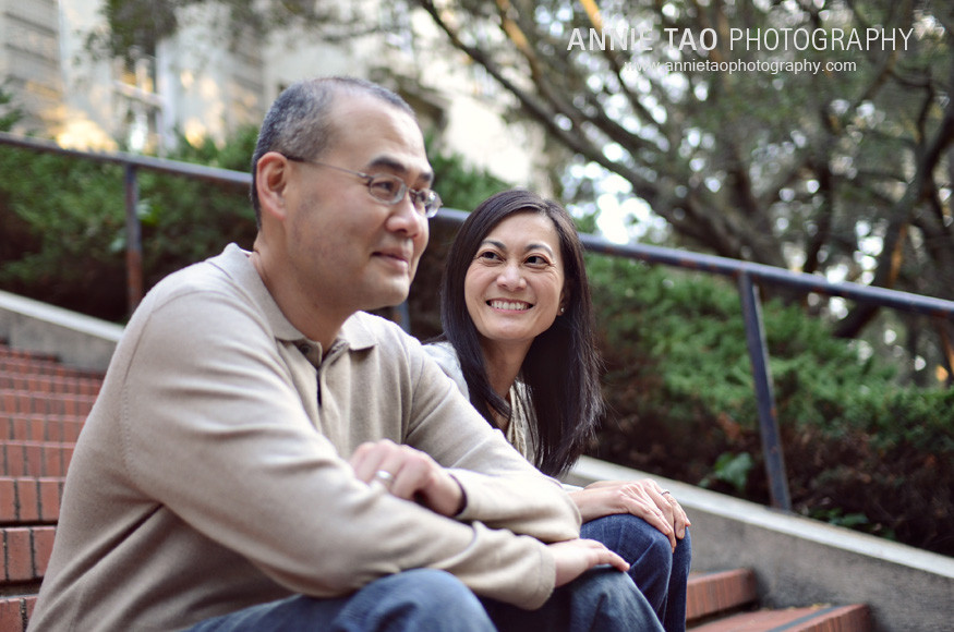 East-Bay-lifestyle-family-photography-woman-looking-at-her-husband