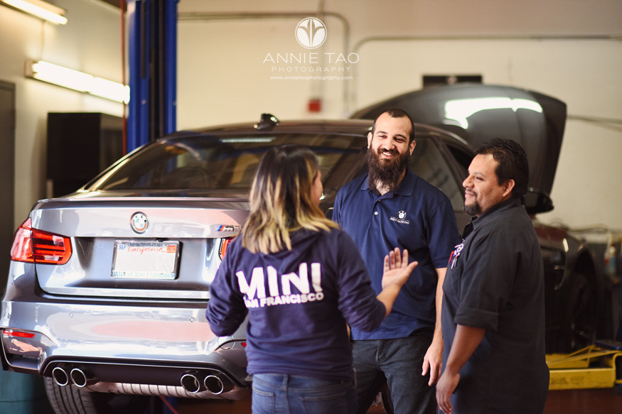 San-Francisco-commercial-photography-foreman-talking-with-staff-bmw-shop-8
