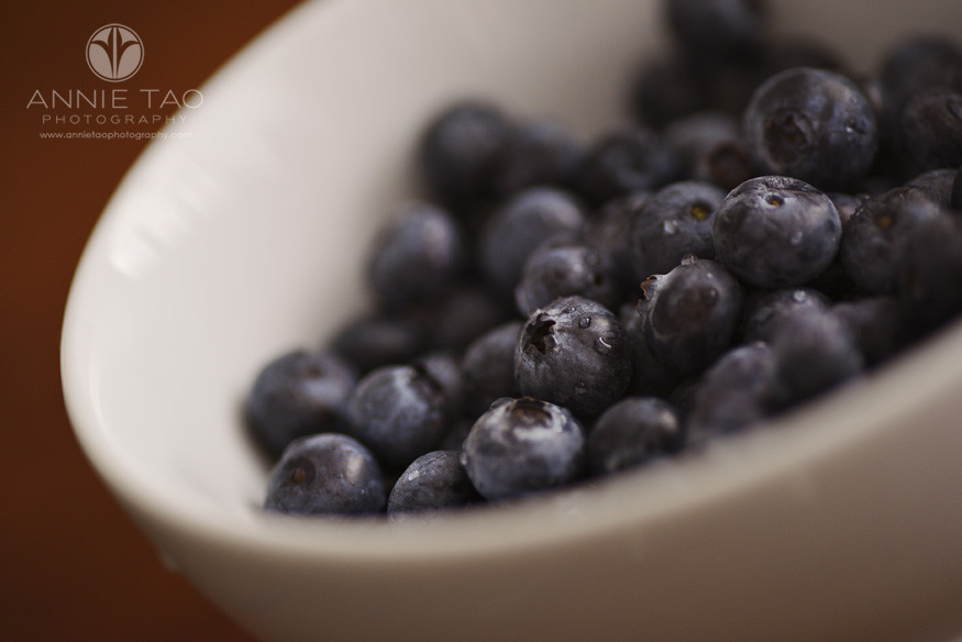 Bay-Area-food-photography-washed-organic-blueberries-in-a-bowl-closeup