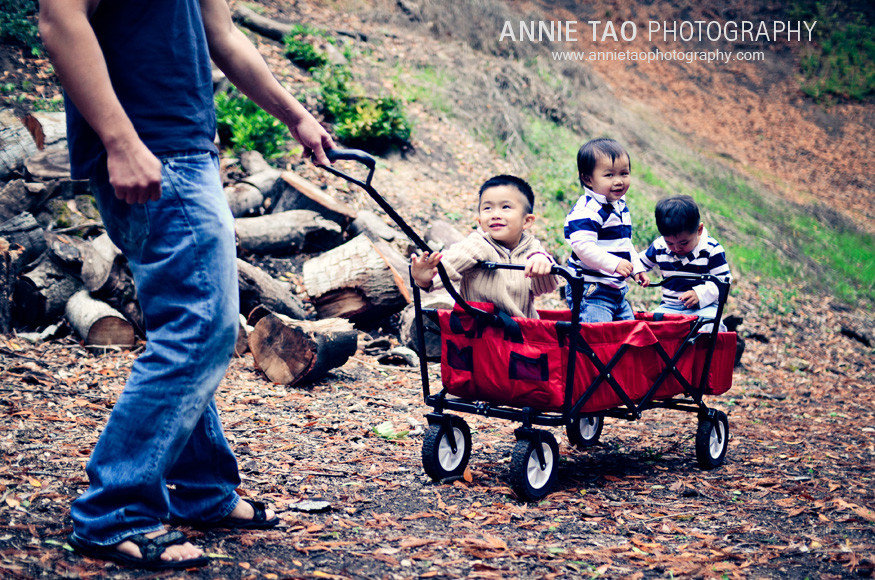 East-Bay-lifestyle-family-photography-dad-pulling-wagon-with-three-sons