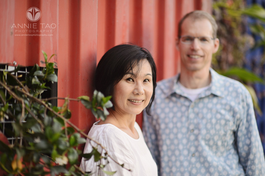 San-Francisco-lifestyle-couple-photography-couple-by-red-truck
