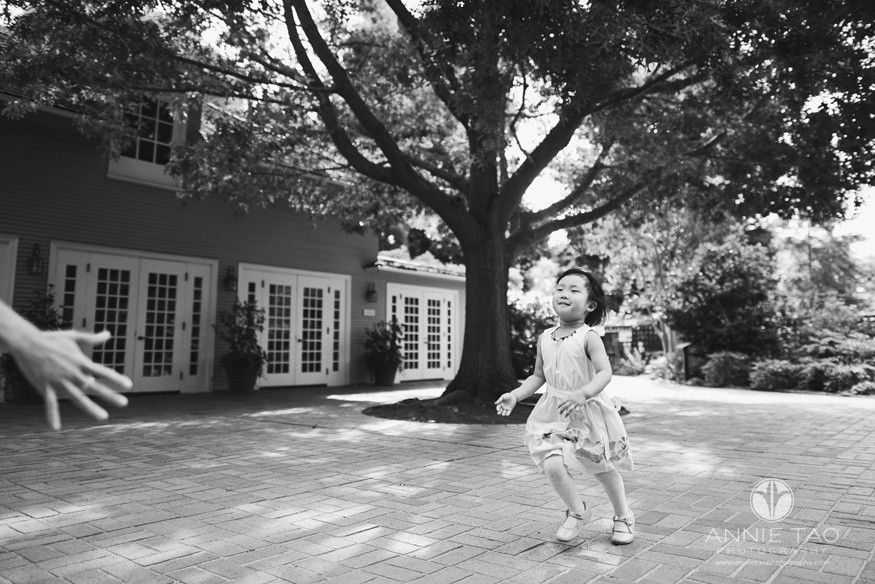 Bay-Area-lifestyle-family-photography-toddler-daughter-running-to-her-mother-BxW