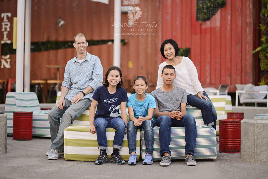 San-Francisco-lifestyle-family-photography-family-of-five-on-couch