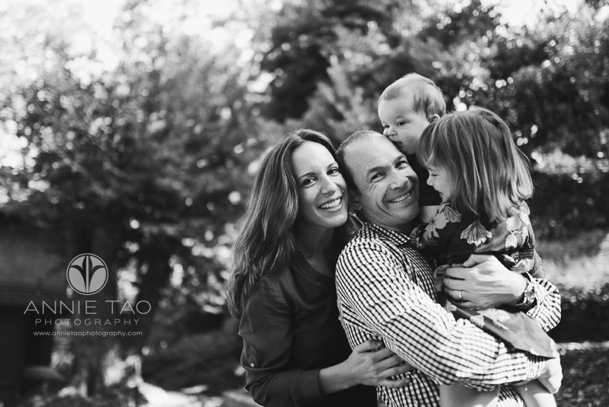 North-Bay-Marin-lifestyle-family-photography-family-of-four-totem-pole-hug-BxW