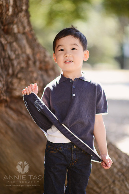 Bay-Area-lifestyle-children-photography-preschooler-boy-stretching-out-shirt